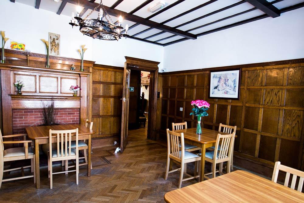 Our DiningOur Garden - Grosvenor Lodge Care Home Hove - Grosvenor Lodge Care Home Hove